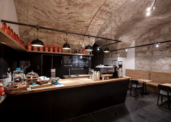 Cafe-in-Budapest-by-Spora-Architects3